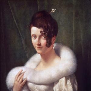 Женщина со шпилькой для волос