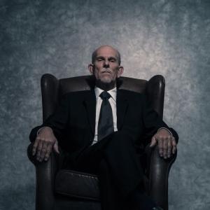 Костюм и кресло_23
