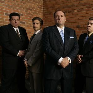 Группа мужчин_160